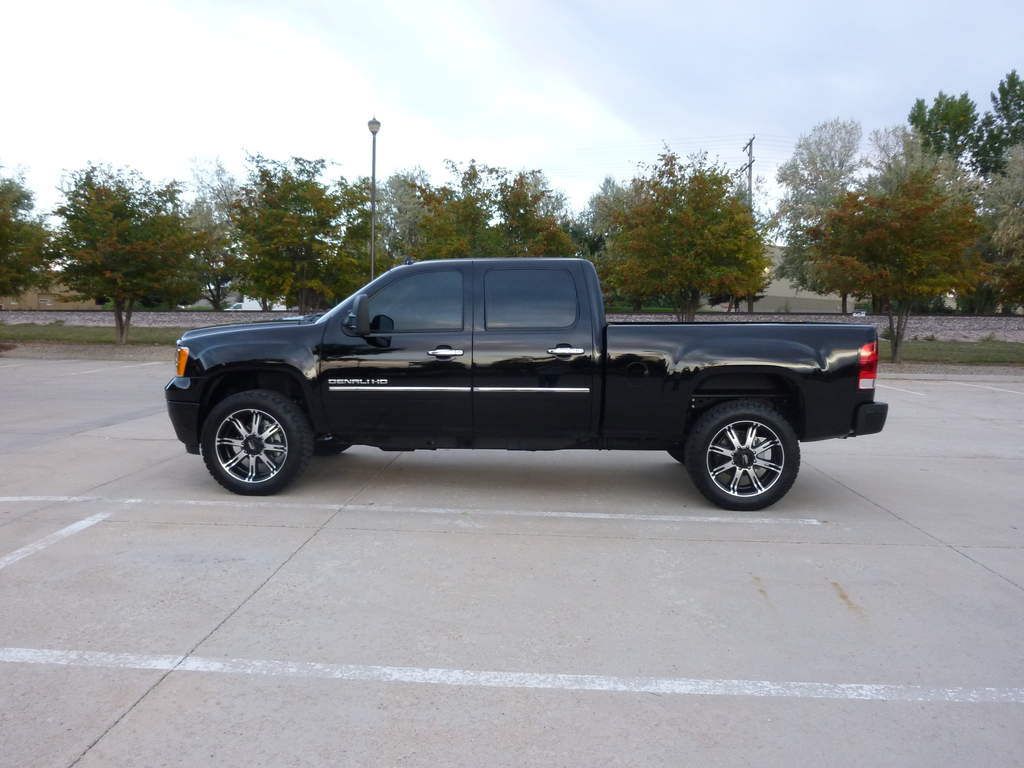 35's (Almost) on an LML Denali HD - It can be done!-p1000469.jpg