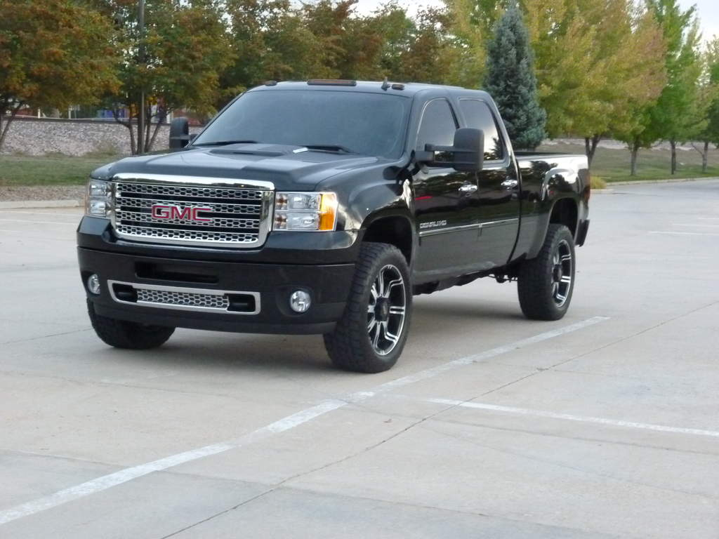 35's (Almost) on an LML Denali HD - It can be done!-p1000480.jpg